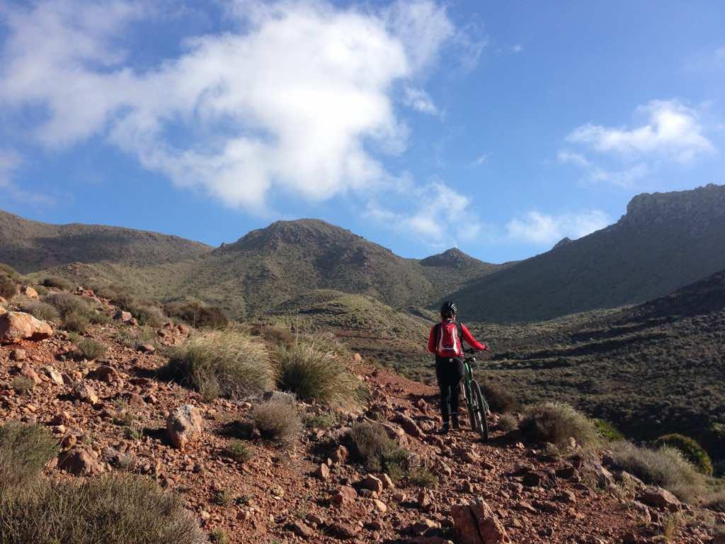 Ruta en bicicleta por Albaricoques y Las Presillas Bajas