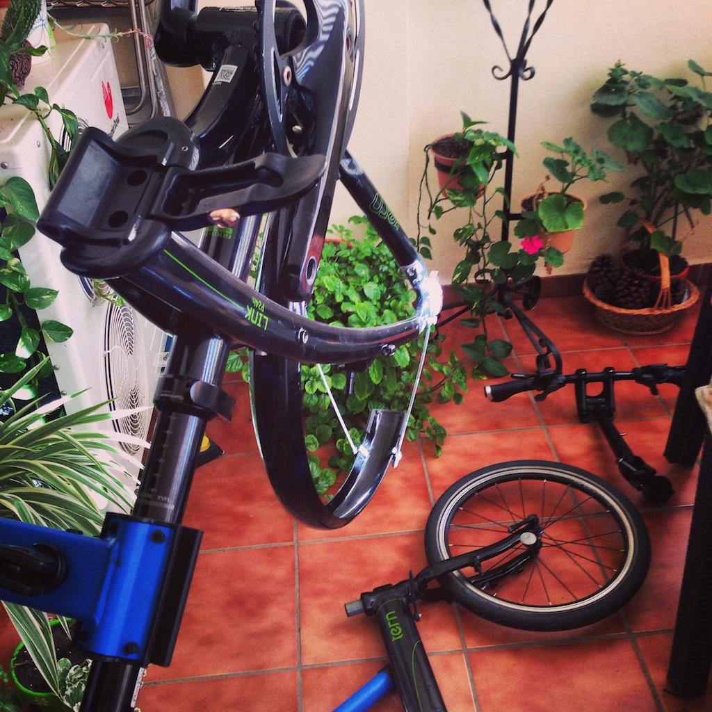 La importancia de trabajar con un pie o soporte para bicicletas que te permiten acceder a cualquier lugar del cuadro sin realizar contorsiones imposibles.