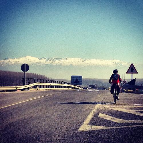 Llegando a Granada con buenas fuerzas y mucho frío.
