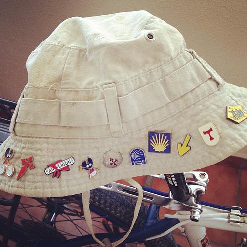Mi viejo sombrero de peregrino con el que hice tres veces el Camino de Santiago Francés.