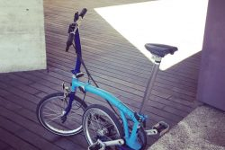Recorriendo el centro de tu ciudad en bici plegable