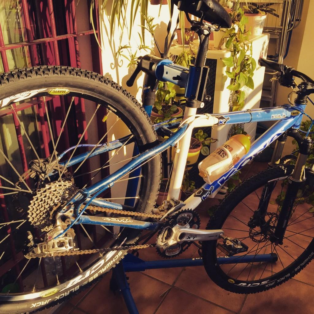 Montando mejoras mecánicas en mi bicicleta Kona Kula Custom.