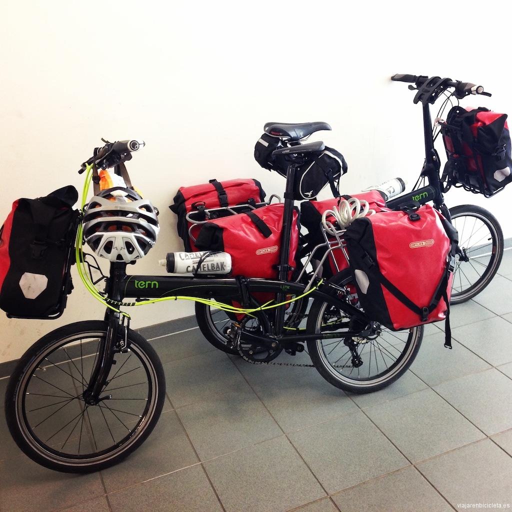 Verano del 2014, dos bicicletas Tern Link P24h listas para recorrer la Ruta Romántica en Alemania.