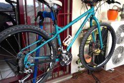 Montaje de una bicicleta Surly Troll